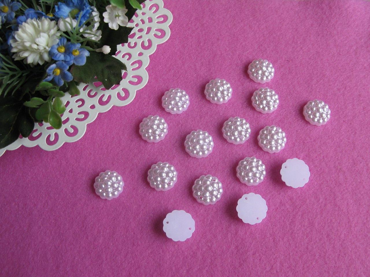 Полубусины - Хризантема  цвет - молочный р-р 16 мм цена 1 грн - 1 шт