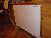 Инфракрасная панель обогрева GH-700 в помещении.