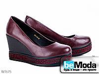 Стильные туфли женские Meideli Wine на платформе с декором бордо