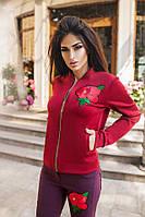 Женская курточка с карманами материал дайвинг, декор вышивка. Цвет марсала