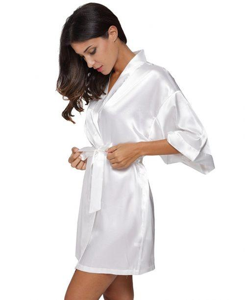 Атласный халат с пеньюаром белый