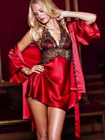 Красный комплект с халатиком