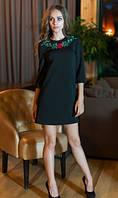 Платье черного цвета с вышивкой