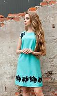 Платье с вышивкой ментоловое
