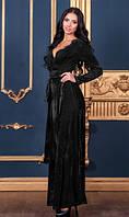 Длинное платье из бархата черное