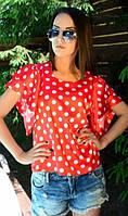 Красная блузка в горошек