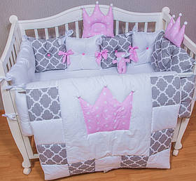 Захист, бортики і ковдру з постільною. Комплект в дитячу кроватку з 11 позицій. Для дівчинки.