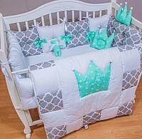Необычный Комплект в детскую кроватку из 11 позиций.