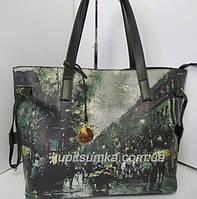 Прекрасная брендовая сумка из качественного кожзаменителя с модным принтом