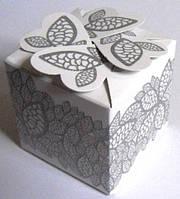 Свадебные бонбоньерка (маленькая коробочка для конфет) (цвет: белый с серебряным узором)