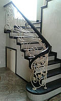 Светлые кованые перила в стиле модерн, фото 1