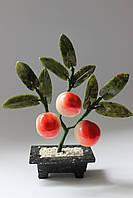 Персиковое деревце-символ здоровья и долголетия (нефрит и змеевик)