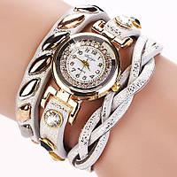 Стильные женские серебристые часы.