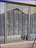 Монтаж плёнки на раму окна снаружи помещения