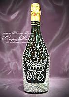 Свадебное шампанское с короной и инициалами в стразах
