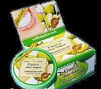 Отбеливающая зубная паста с экстрактом листьев Гуавы Guava Herbal Toothpaste