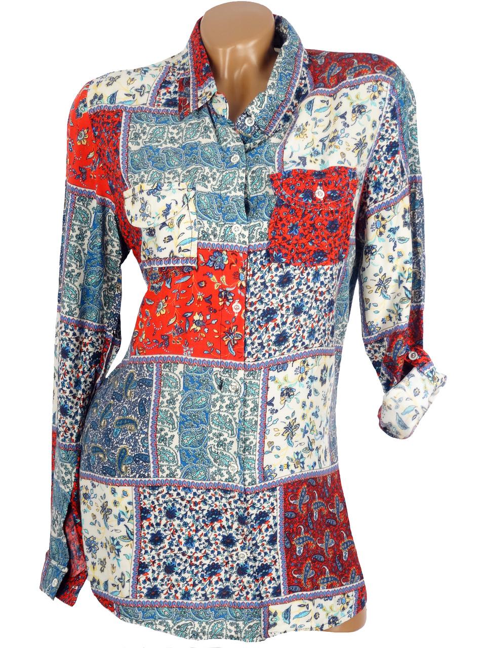 Красивая женская рубашка с карманами