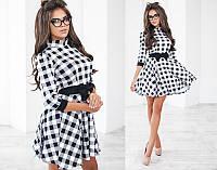 Красивое модное короткое трикотажное  женское молодежное платье в черно-белую клетку с рукавом три четверти