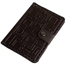 """Обложка на паспорт кожаная на кнопке с отделениями для карт """"Лабиринт"""" (Арт Кажан)"""