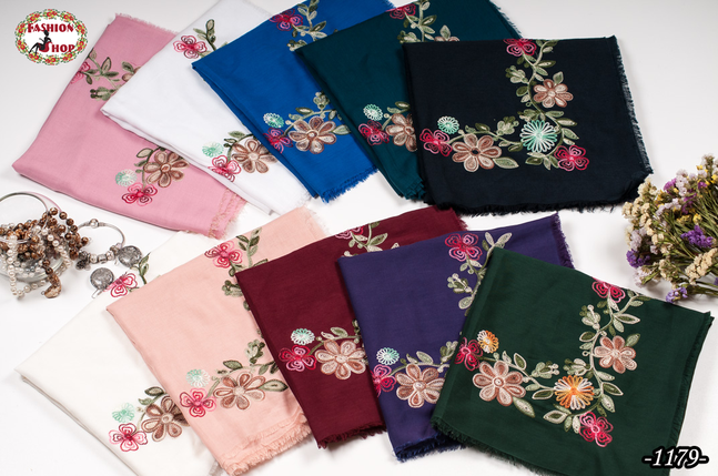 Вышитый красивый платок Цветы, фото 2