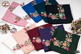 Вышитый красивый платок цвет електрик Цветы, фото 3