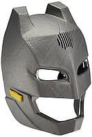 Інтерактивна маска Бетмана міняє голос, фото 1