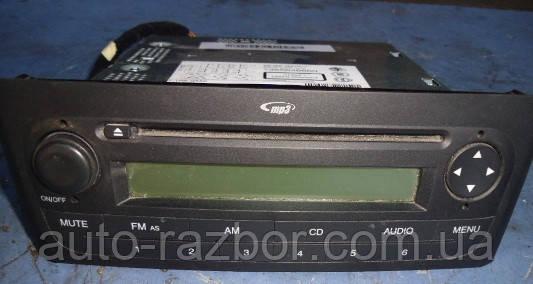 Магнитола штатная под диски -12FiatGrande Punto2005-7355646660 - продажа б/у автозапчастей в Киеве