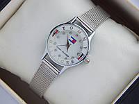 Женские (Мужские) кварцевые наручные часы Tommy Hilfiger mini на кольчужном ремешке