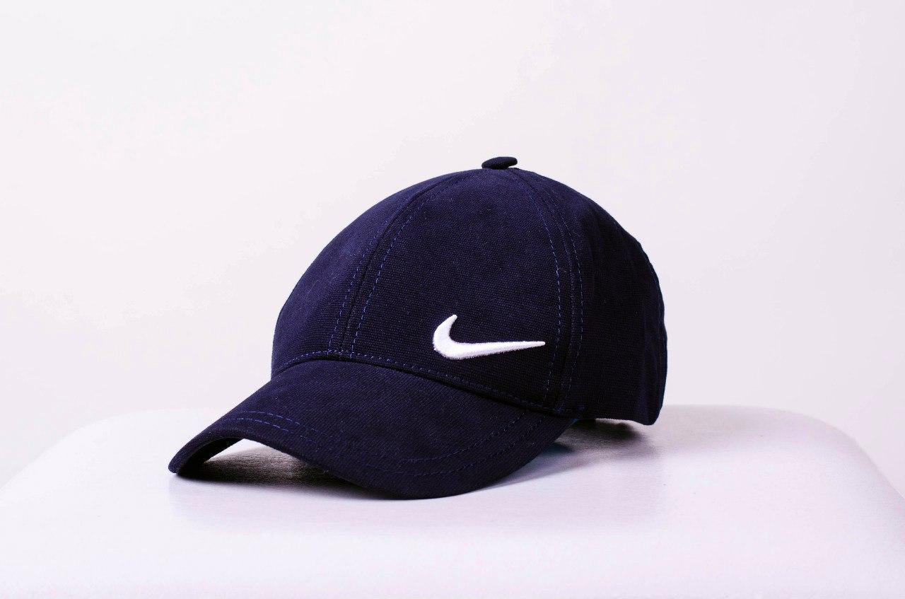 Кепка Nike, черная, нашивка белая в левом нижнем углу, фото 1