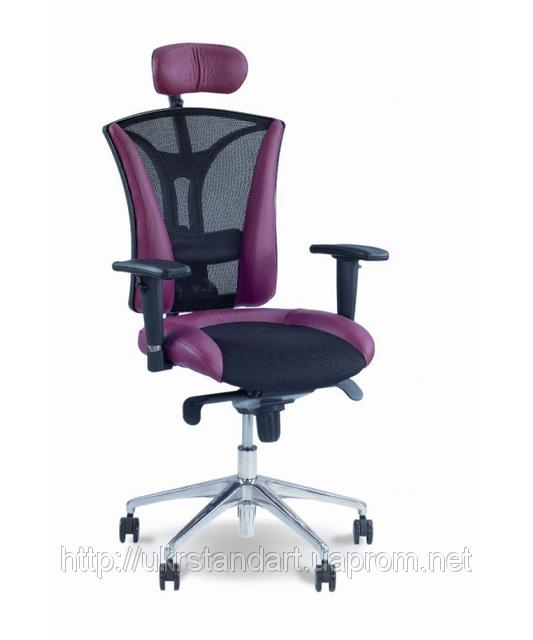 Кресло руководителя для работы за компьютером ПИЛОТ с подголовником