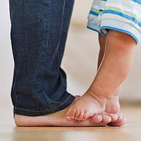 Можно ли ребенку ходить босиком?
