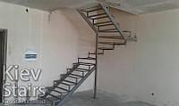 Каркас забежной лестницы с поворотом на 180 градусов