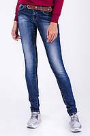 Женские зауженные женские джинсы с поясом