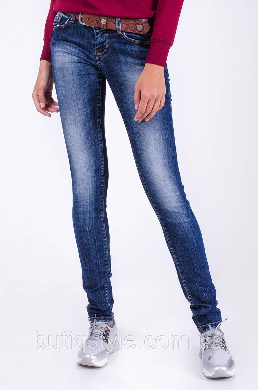 Купить зауженные джинсы