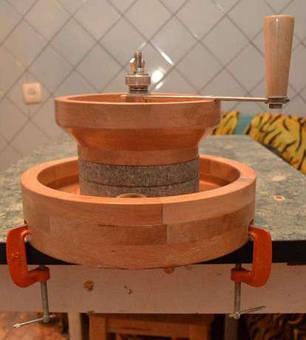 Ручная бытовая мини мельница для зерна и муки (мукомолка), фото 2