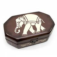 Оригинальная шкатулка из дерева Слон коричневая