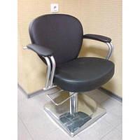 Кресло парикмахерское Кр011