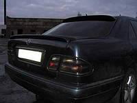 Спойлер лип багажника Mercedes-Benz E class W210 1995-2002 (стекловолокно под покраску)