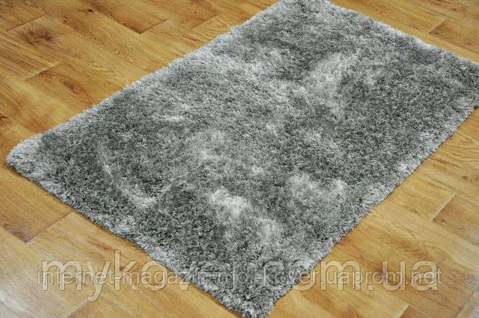 Ковер высоковорсный серого, алюминиевого цвета