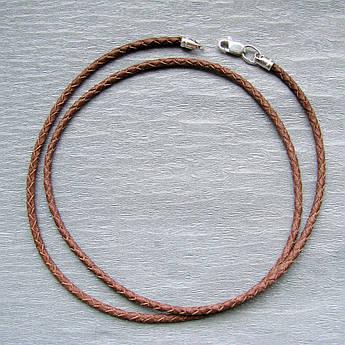 Коричневый кожаный плетеный шнурок с серебряным замком