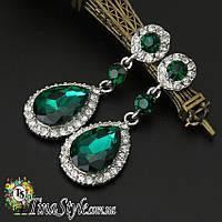 Серьги капельки зеленые сережки кристалл вечернее на выпускной свадебные кристаллы зелені зеленый цвет