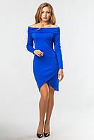 Нарядное синее платье-хомут с открытыми плечами и длинным рукавом на запах