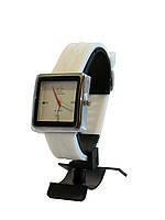 Стильные женские часы, белый силиконовый ремешок