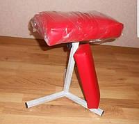 Тренога для педикюра + подлокотник для маникюра красная
