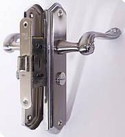 Комплект для межкомнатных дверей RDA Monza (ручка на планке, механизм 258) хром/матовый хром (32499)