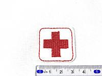 Нашивка красный крест  35х35 мм