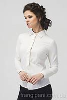 Белая блузка с галстуком в складку