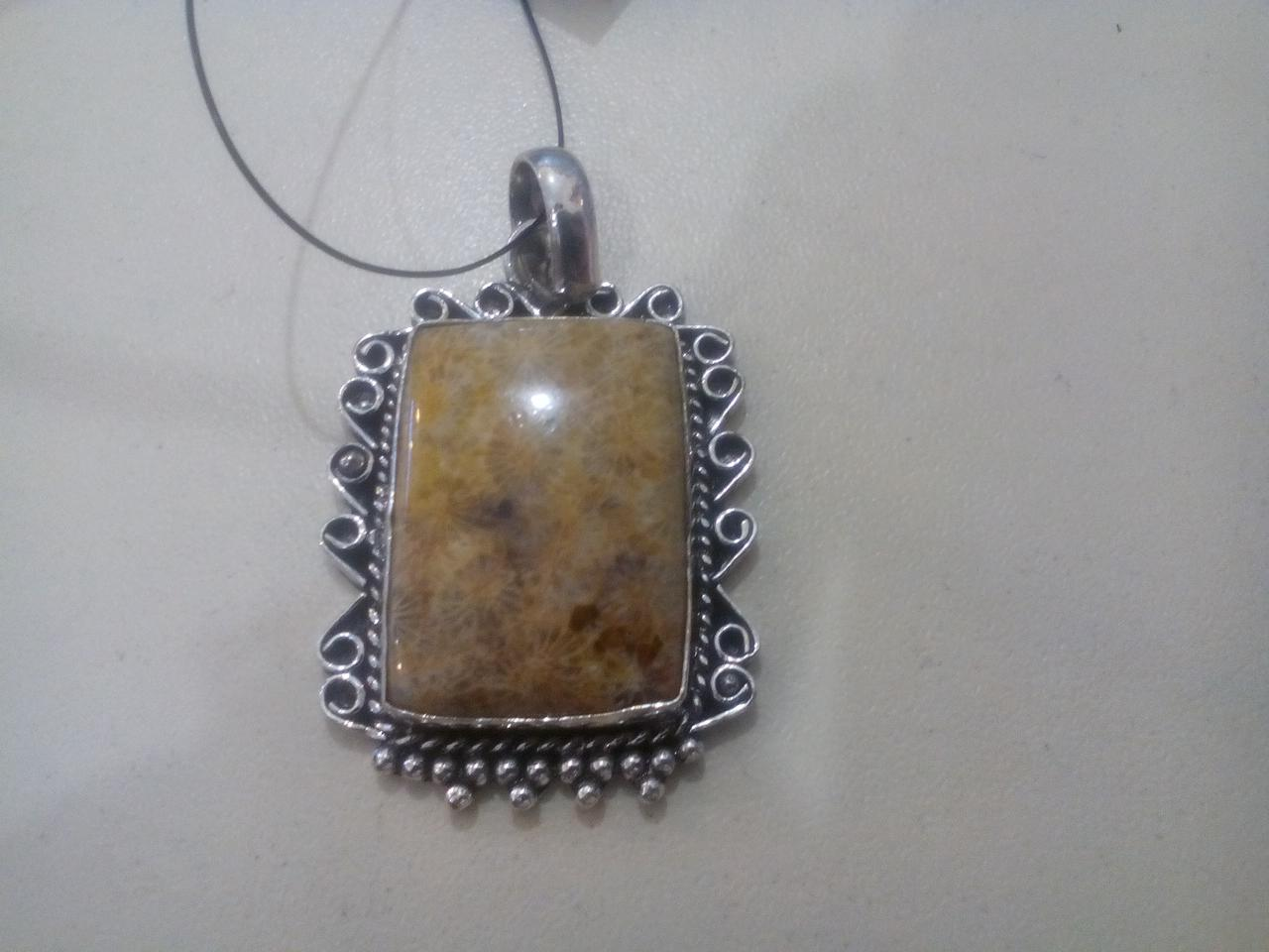 Окаменелый коралл кулон натуральный коралл в серебре