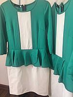 Платье зеленое белая вставка