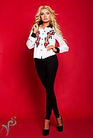Стильная деловая блузка с вышивкой
